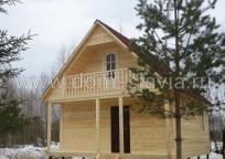 Дом из бруса 6х6м с террасой и балконом.